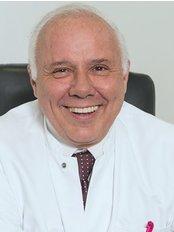 Dr Pablo Hernandez -  at Mannheimer Klinik für Plastische Chirurgie