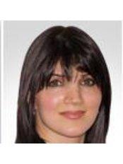 Dr Pegah Ceric-Dehdari - Dermatologist at CosmeSurge - Dr. med. Joachim Graf von Finckenstein