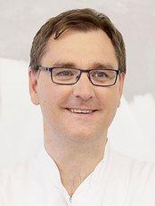 Dr Matthias Edler -  at Praxisklinik Dr. med. René Föste