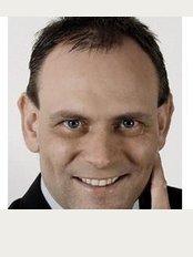 Dr.Ulrich E. Ziegler Plastic-Cosmetic Surgery - Stuttgart - Sporerstraße 19, Stuttgart City, 70173,