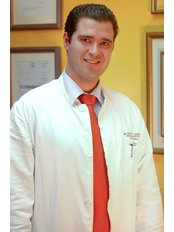 Dr Emilio Novales - Doctor at Angels Abroad