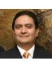 Dr Guillermo Echeverria - Doctor at Centro De Cirugia Plastica Integral