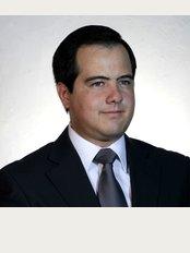 Dr. Alfredo Longo - 6A Avenida 9 - 18 Zona 10 Sixtino II Oficina 706, Guatemala,