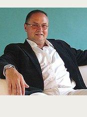 Dr. George Falus - Lechner Ödön Fasor 3, Budapest,