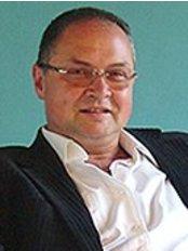Dr. George Falus - Lechner Ödön Fasor 3, Budapest,  0