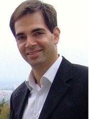 Dr. Randy Simor - Geschäftsführer - Meditours Hungary - Klinik für Plastische Chirurgie