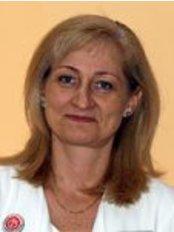 Dr Cselovszki Éva Mária - Doctor at Kardirex Egynapos Sebészeti Centrum