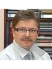 Dr Tibor Seffer - Doctor at Seffer Magánklinika