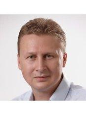 Dr Kádár Zsolt - Chief Executive at Dr. Kádár Zsolt