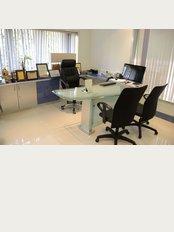 Dr. Viral Desai's CPLSS-Mumbai - 3rd Floor, Sarla Hospital & ICU, Dattatray Road, Santacruz (W),, Mumbai, Maharashtra, 400054,