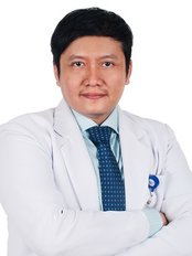 Dr Hendri Andreas -  at D Elegance Aesthetic Clinic