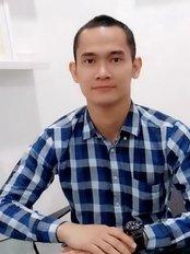 Dr Yoga Kurniawan - Doctor at LIPS Clinic