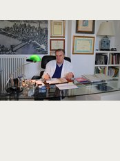 Dr. Luigi Nestola - Via Sant'angelo 4, Copertino, 73043,