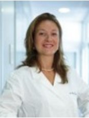 Doctor's Equipe - Lodi - Dr. Magda Guareschi Hello, Magda Guareschi, are a surgeon, specialist in Ophthalmology