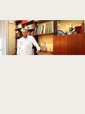 Dr. Antonio Corti - Via Canova, 25, Milano, 20145,
