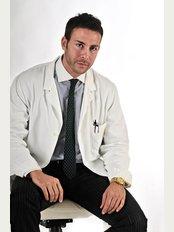 Dr. Giacomo Urtis - Corso como 9, Milan, 20154,
