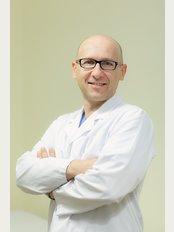 Dr. Thomas Savoia - Via Verdi 6, Milano, 20121,