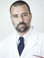 Dr Luigi Fantozzi -  at LaCLINIC - Chirurgia Estetica Milano