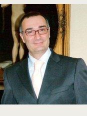 Dr. Stefano Bezzi - Rimini - P.le Cesare Battisti, 22 (Piazzale della Stazione), Rimini, 47921,