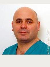 Chirurgia Estetica: Dott. Antonio Capraro - Villa Luisa - Via di Santa Mediatrice, 2, Roma, 00165,