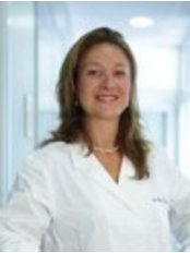 Doctor's Equipe - Roma - Dr. Magda Guareschi Hello, Magda Guareschi, are a surgeon, specialist in Ophthalmology