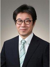 Dr Kure Katsuhiro Robert - 5 Chome-5-1 Hiroo, Shibuya-ku,, Tōkyō-to, 1500012,