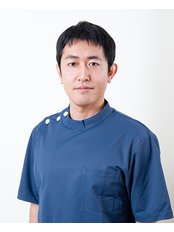 Dr Masayuki Takanashi - Practice Director at Oboe T's forming clinic