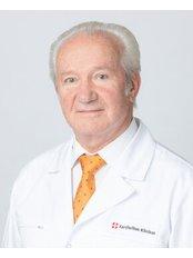 Prof Giedrius Uzdavinys - Principal Surgeon at Kardiolita Private Hospital