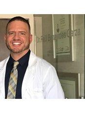 Dr. Raul Benavides - Aesthetic Dental Artistry - Dentist at Dr. JJ Ruiz Treviño - Advanced Plastic Surgery