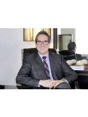 Dr Rubén Agredano-Jiménez - Principal Surgeon at Ruby, Surgery & Aesthetics