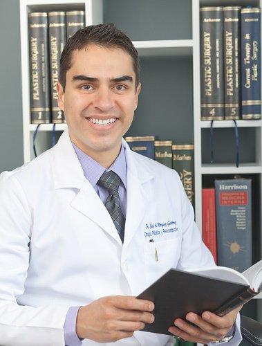 Dr. Erik Márquez - Hospital Ángeles del Pedregal
