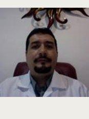 Dr. Carlos Edgar Villalobos Ochoa - Clínica Ambar Calle 36 Esquina 70, Lote 9  Col El Pedrgal, Playa del Carmen, Quintana Roo, 77712,