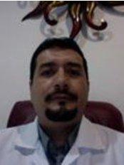 Dr. Carlos Edgar Villalobos Ochoa - Clínica Ambar Calle 36 Esquina 70, Lote 9  Col El Pedrgal, Playa del Carmen, Quintana Roo, 77712,  0