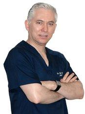Dr Miguel Sauceda -  at Clínica de Cirugía Cosmética