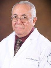 Dr César España -  at Clínica San Juan
