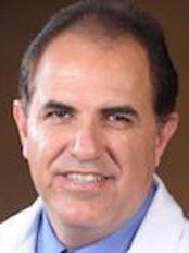 Dr Gerardo Muñoz Barajas - Doctor at Clínica San Juan