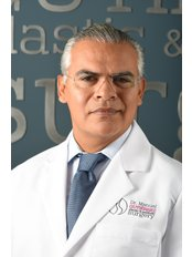 Board Certified Plastic Surgeon - Surgeon at Estheticos Centro de Cirugía Plástica SC