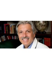 Dr Francisco Contreras - Doctor at Oasis of Hope Health Group