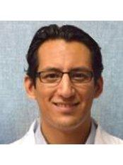 Dr Juan Carlos Flores-Carrillo -  at Plastica Tijuana