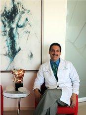 Dr. Lázaro Cárdenas Camarena - Av. Verona 7412, Zapopan, Jalisco, 45100,