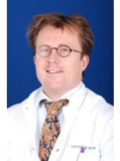 Dr Franken - Surgeon at Ats Kliniek - Amsterdam