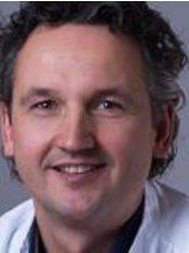 Dr H. Hawinkels - Doctor at Boerhaave Medical Centre