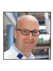 Dr Tim Middleberg - Doctor at University Centre for Aesthetic Surgery Groningen