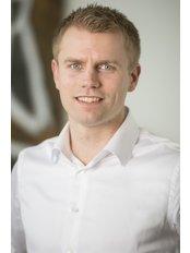 Mr Lex van Vliet -  at V-Klinieken