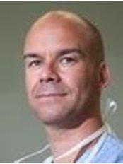 Dr Jan Fabre - Surgeon at Sanavisie Bodyclinic