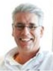 Dr Robert Boonen - Doctor at Polikliniek De Blaak -Vestigin Rotterdam Branch