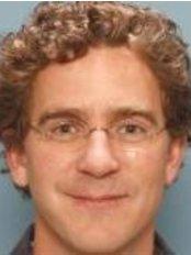 Dr B.M. Stubenitsky - Surgeon at St. Antonius Plastische Chirurgie - Houten