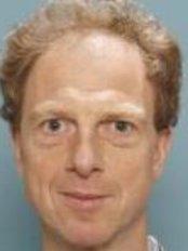 Dr A.B. Mink van der Molen - Surgeon at St. Antonius Plastische Chirurgie - Overvecht