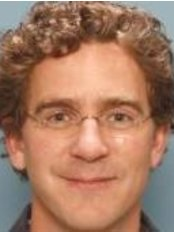 Dr B.M. Stubenitsky - Surgeon at St. Antonius Plastische Chirurgie - Overvecht