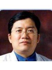 Dr Greechart Pornsinsirisak - Surgeon at Beautiful You Holidays